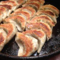 天神の鉄なべ餃子福岡PARCO店で西橋にしたちランチ!人気のポテサラと酢もつも食べれる!